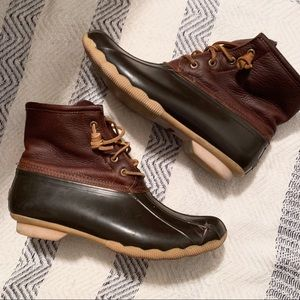 Sperry Duck Boots - 10
